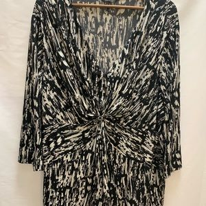 Daisy Fuentes black white paint splatter blouse 3X